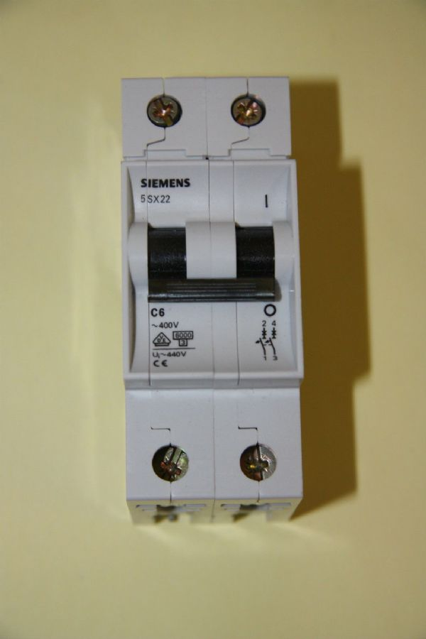 Siemens N System - 5SX2 2C06 - 6a Type C Double Pole MCB New